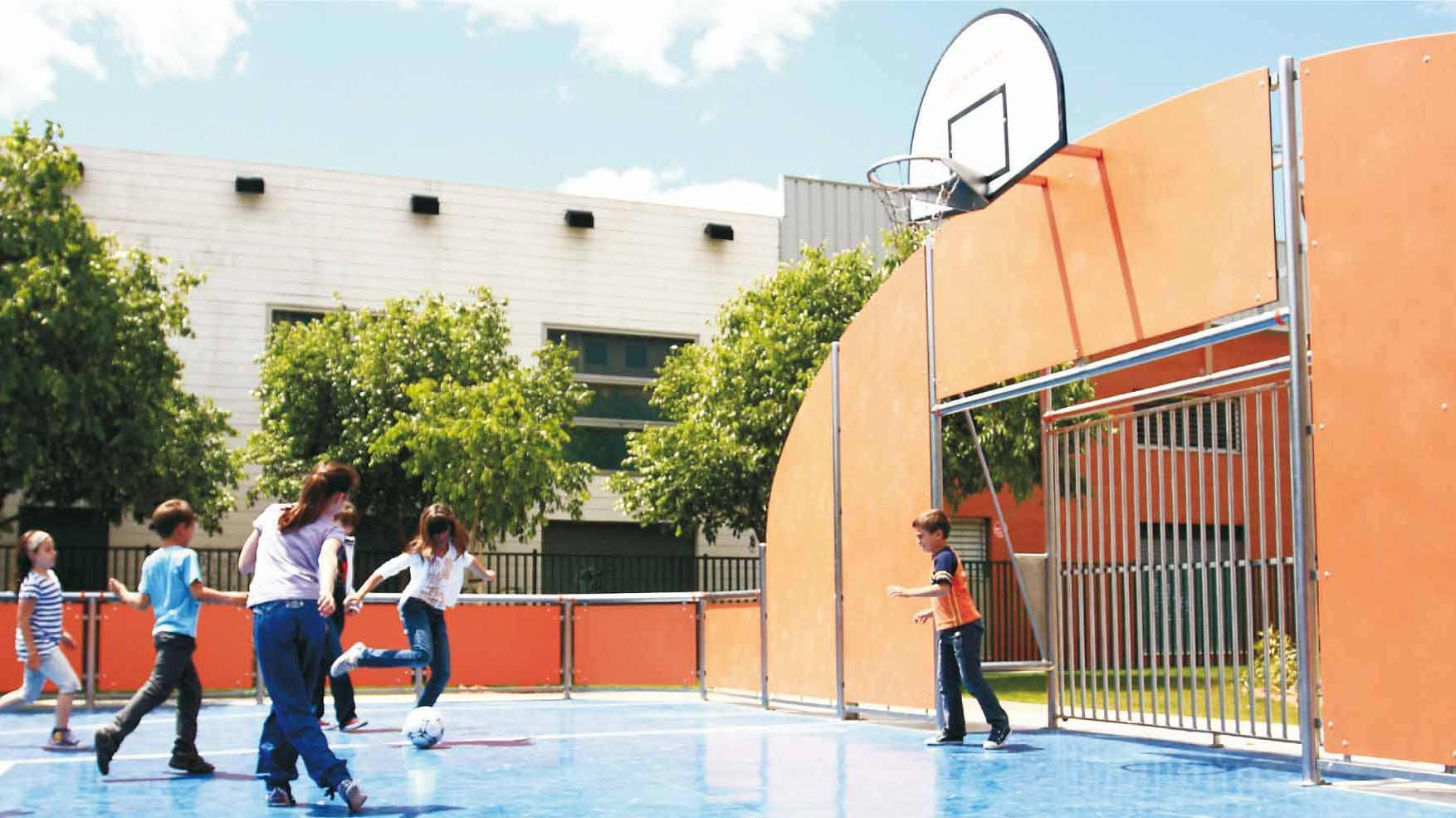 Zonas de pistas deportivas en Rivas Futura