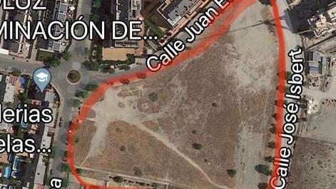 Parque infantil y zona verde en la parcela situada entres las calles Juan Echanove y José Isbert