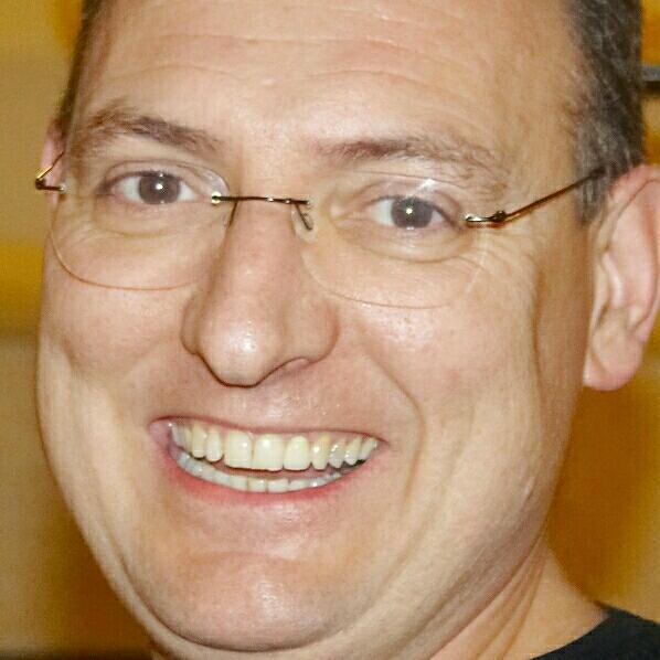 Alberto Molina Canelo - Su perfil. Votar, valora y comunicate